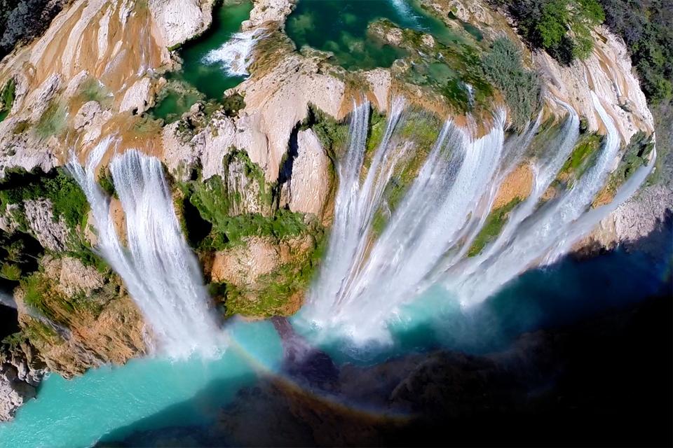 водопад тамул в Мексике